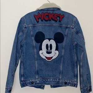 NWT MICKEY MOUSE x LEVIS DENIM JACKET XS SHEARLING